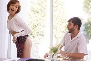 fiul isi fute mama cu forta film porno