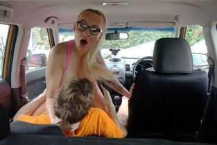 porno mama iai prinde fiul cum se mastuebeaza
